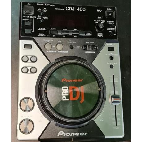 Bellissimo CDJ 400 con desk saverIl CDJ è stato controllato in centro assistenza, funziona perfettamente con il cd, l\'usb e il