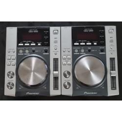 Radiomicrofono Gelato ed Archetto Takstar TS6310HP VHF